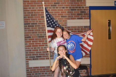 Rachael Brich '18, Emily Folts '18 & Sofy Herrera '18.