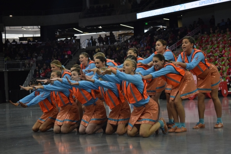 senior cheer 2.JPG